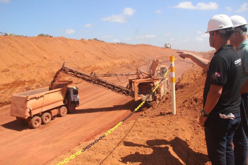 8e05250d 7271 4335 a6d4 4d92c951cae7 - Deputados visitam instalações da mina de extração de bauxita em Paragominas