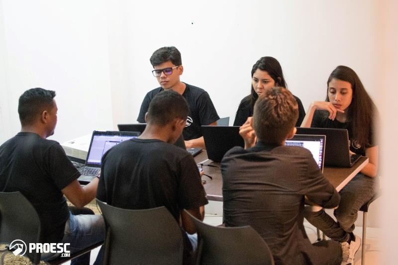 Inovação para a educação. Foi com essa frase que a Empresa Inovadados desenvolveu o Proesc.com, um software completo de gestão escolar, que informatiza todos os setores da educação.