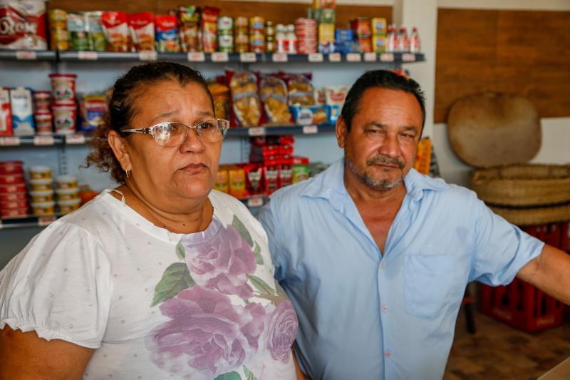 O casal Suely Sacramento e João Batista Figueiredo compõe uma equipe de enfrentamento ao despejo criminoso de lixo e entulho na via pública e tenta evitar o descarte ilegal