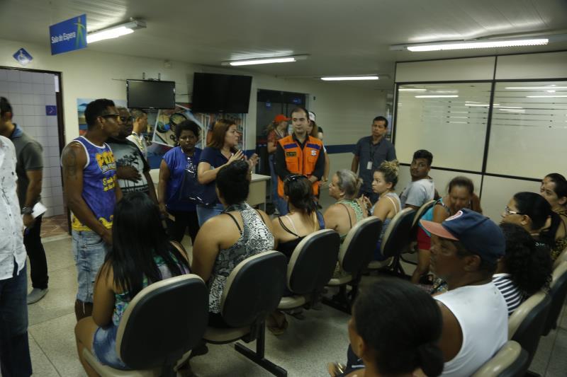 Representantes da Prefeitura de Belém estiveram prestando o auxilio às famílias atingidas pelo incêndio.