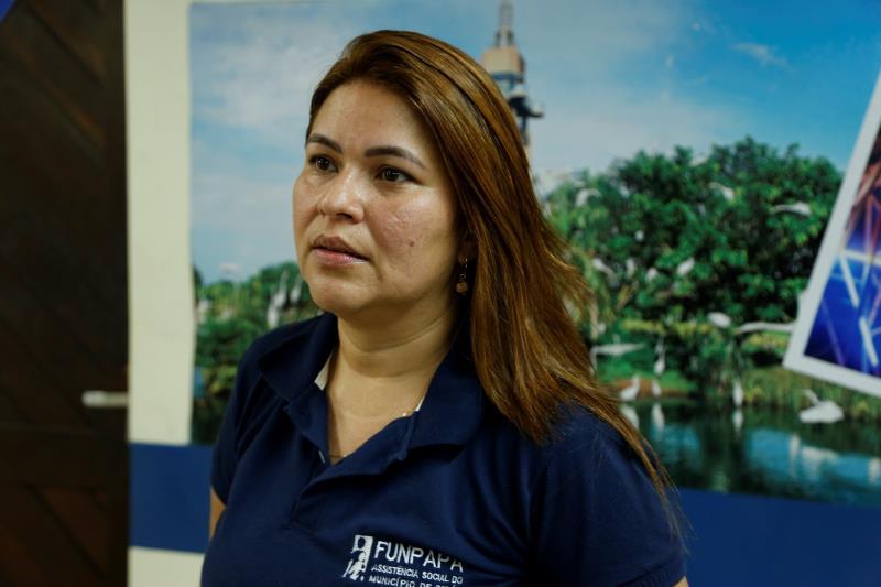 Adriana Azevedo, presidente da Funpapa, esteve na Estação Cidadania para prestar o atendimento às vítimas.