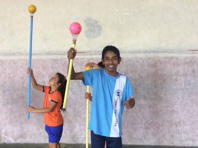 Diagnosticado com deficiência intelectual, Marcelo Castro, é um dos alunos que obteve grande desenvolvimento nos projetos inclusivos da escola.   Foto: Natasha Albarado.