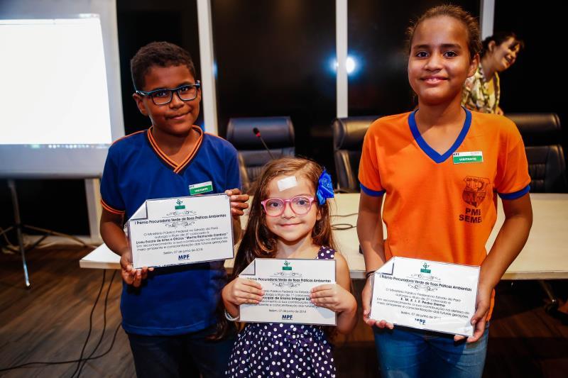 A instituição Liceu Escola Mestre Raimundo Cardoso ficou em segundo lugar. O projeto apresentado tinha o objetivo de transformar óleo de cozinha descartado em sabão.