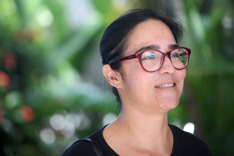 A bióloga Alexandra de Araújo Pereira, 38 anos, entregou a prova às 10 horas e foi a primeira candidata a sair  no Colégio São Pio X, centro de Capanema
