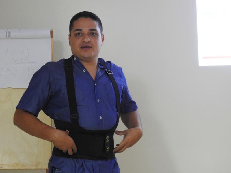 """Palestra """"Prevenção e Causa de Doenças Ortopédicas"""", ministrada pelo fisioterapeuta André Carvalho, na semana passada, nas dependências do Hospital Regional de Altamira."""