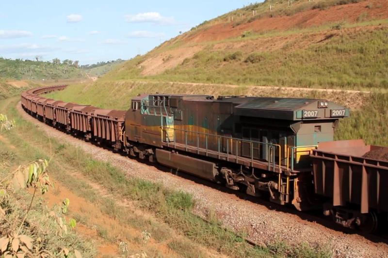 O governo do Pará está tomando medidas contra a decisão do Governo Federal de exigir a construção de uma ferrovia no Centro-Oeste do país como contrapartida para a renovação da concessão da Ferrovia Carajás para a Vale