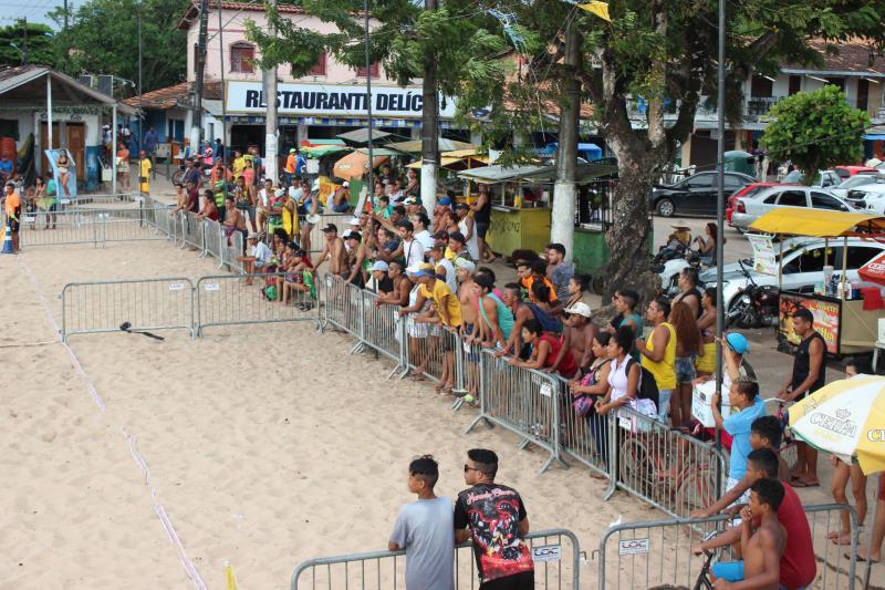 A terceira edição da competição atraiu dezenas de banhistas para a arena montada pela Prefeitura de Belém.