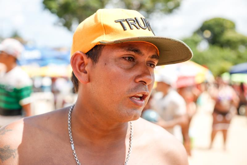 O ferreiro Luciano Nunes levou toda a família para curtir o domingo de julho em Outeiro