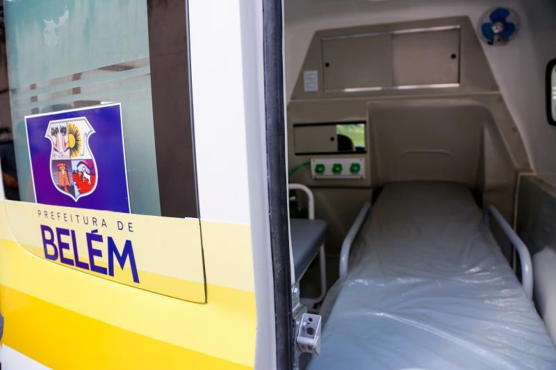 Entrega de Ambulâncias
