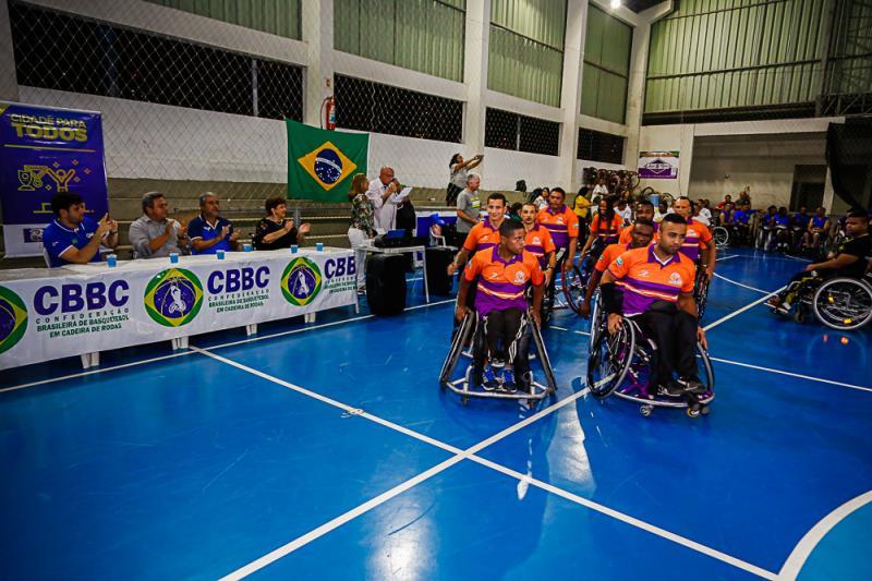 Atletas do basquete em cadeira se destacaram na atual gestão
