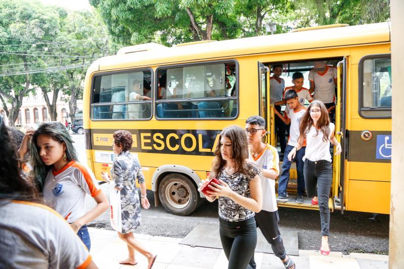 Alunos da Escola Municipal Manuela de Freitas foram em peso para o lançamento.