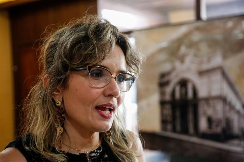 """A professora Walcilea Cardoso, que comanda o projeto """"Ver-o-Curta"""", coordenou o filme. O objetivo da produção, explica, é despertar o interesse dos alunos pela cidade."""