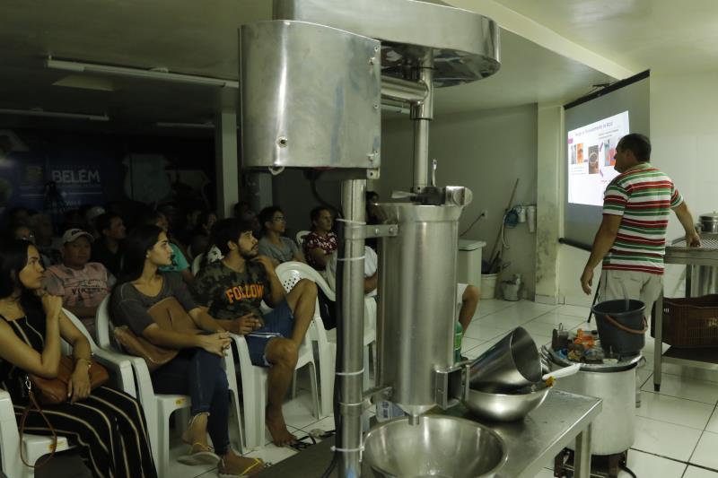 2018.09.18 - PA - Belém - Brasil: Materia especial Casa do Açaí - Curso Prático para Batedores. Carlos Lima.
