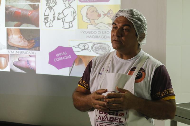 2018.09.18 - PA - Belém - Brasil: Materia especial Casa do Açaí - Curso Prático para Batedores. Heron Rocha.