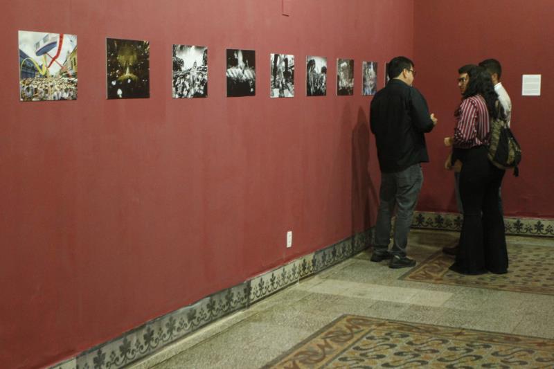 """A mostra fotográfica """"Imagens de Fé"""" foi aberta oficialmente nesta sexta-feira, 05, no Museu de Arte de Belém (Mabe), no Palácio Antonio Lemos."""