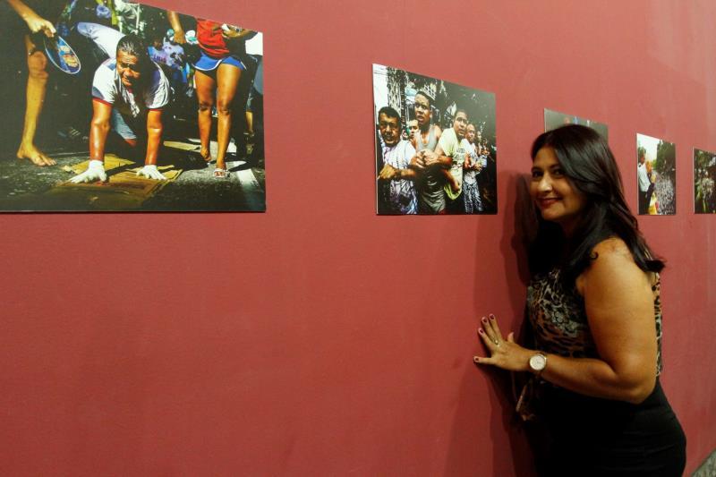 """""""Em dez anos de carreira, esta foi a primeira vez que tive a oportunidade de expor meu trabalho, e, sendo no Museu de Belém, é a realização de um sonho"""", revela Alessandra Serrão."""