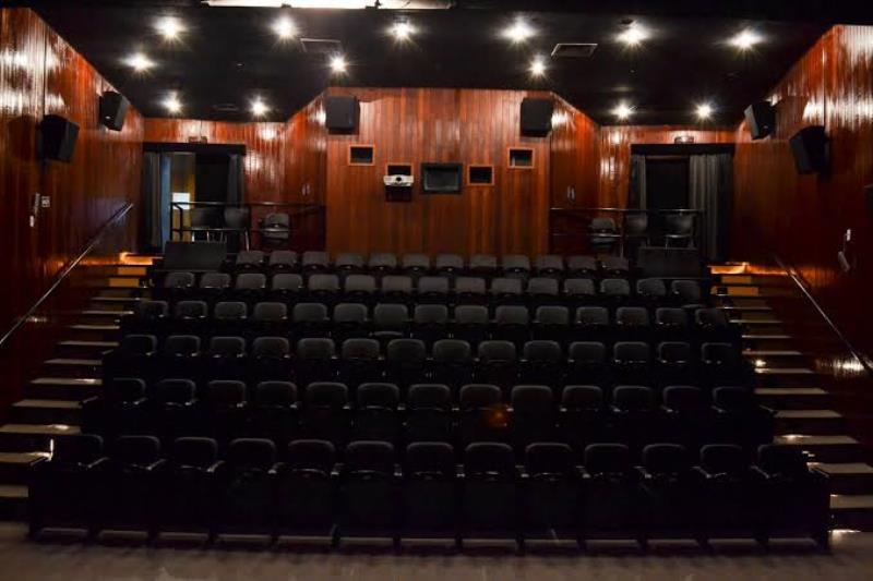 O Cine Líbero Luxardo, no térreo do prédio do Centur, é uma homenagem ao cineasta que foi pioneiro do cinema do Pará e da Amazônia