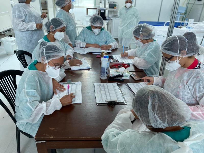 No mês de comemoração ao dia da Enfermagem, profissionais do Hospital de Campanha do Hangar contam experiências