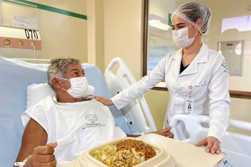 Nutricionista e paciente - Ascom Pró-Saúde