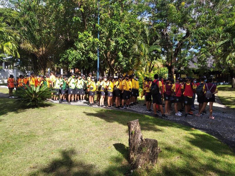 Adolescentes visita à Casa da Cultura de Salinópolis