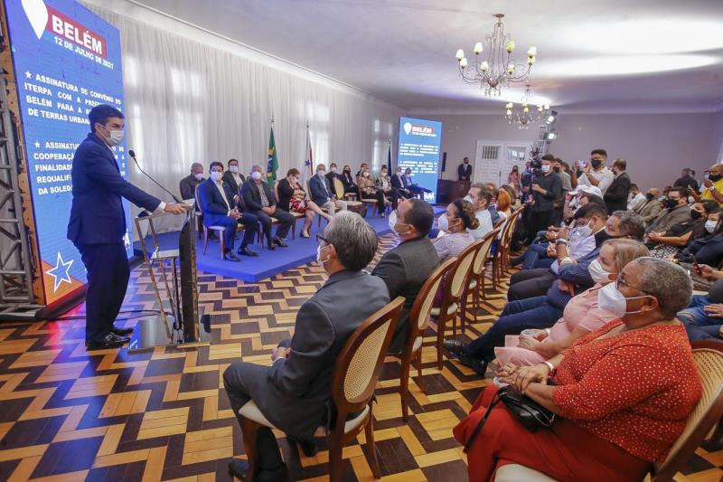 Governador Helder Barbalho diz que a regularização fundiária em Belém é fundamental para assegurar paz e dignidade a 10 mil famílias