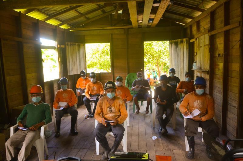 Curso de manutenção de motosserras reuniu cerca de 20 manejadores comunitários