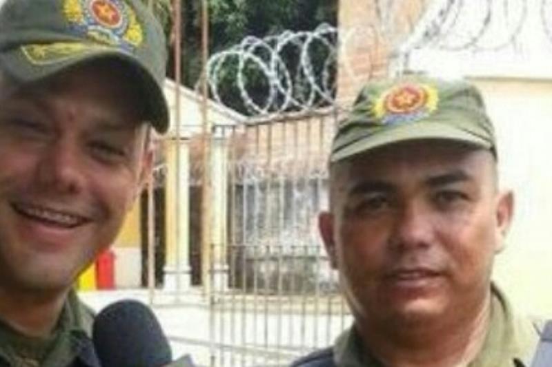 Coronel Neil e o sargento J. Carlos