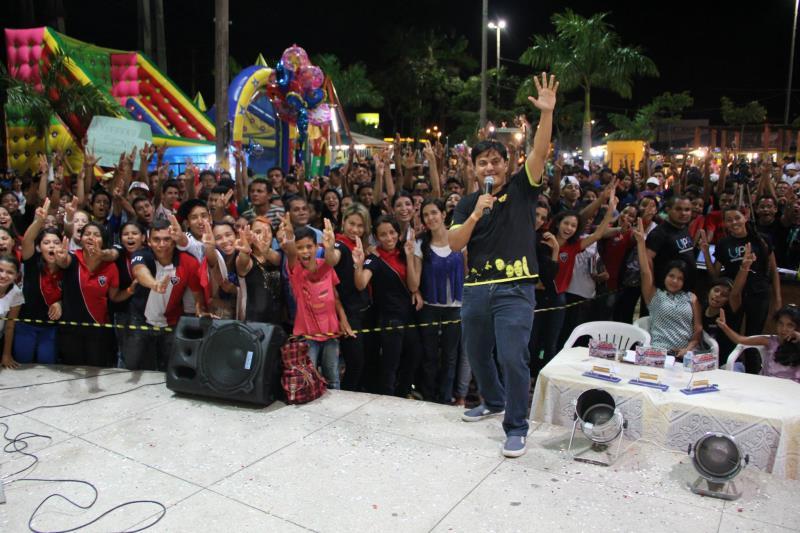 A Banda Jovem Samba surgiu em 2009 por meio de um encontro entre amigos, que decidiram unir a palavra de deus e a música.