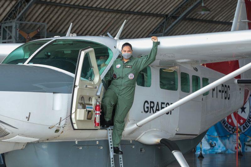A 2ª Tenente Suzane Patrícia Gomes da Silva é a primeira piloto feminina do Graesp