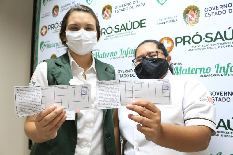 Roberta Lima e Alessandra Silva- Enfermeira e Técnica de Enfermagem, primeiras vacinadas- HMIB- Comunicação Pró-Saúde