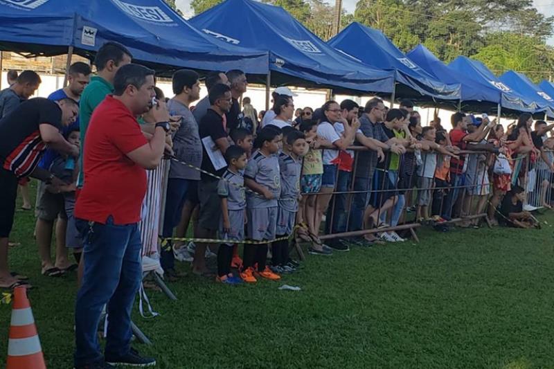 Os pais, mães, tios e irmãos dos alunos da escolinha foram protagonistas do próprio espetáculo ao longo dos três dias do torneio.