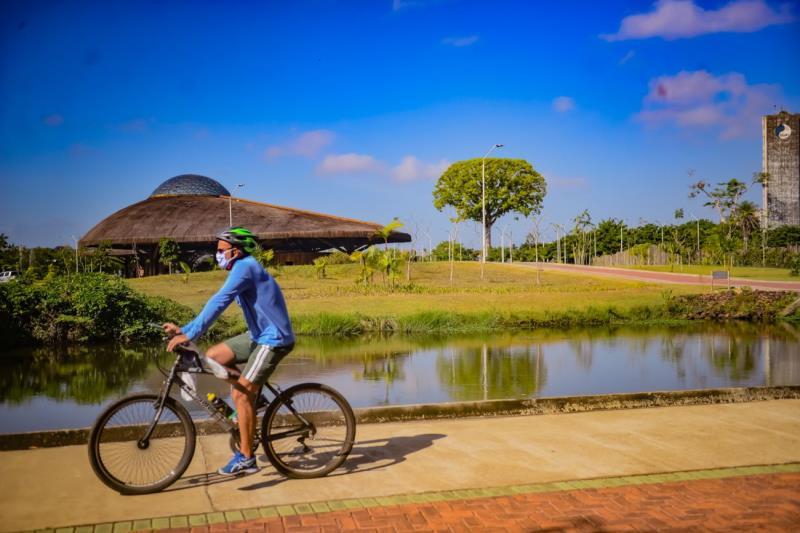 Parque do Utinga, em Belém, preserva belezas naturais da floresta, tem mananciais e tem sido destino de passeios de bicicletas