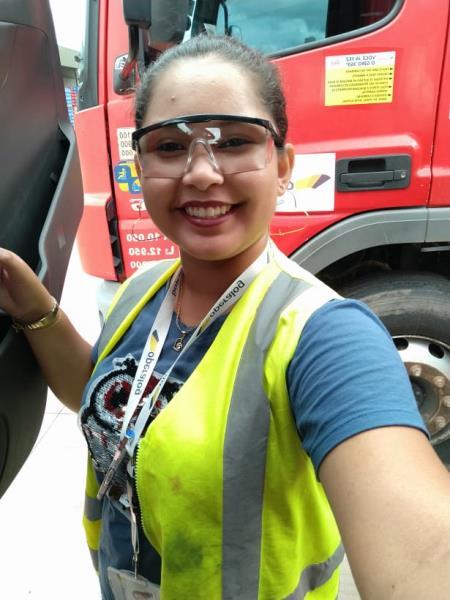 Caroline Santos, técnica em segurança no trabalho.