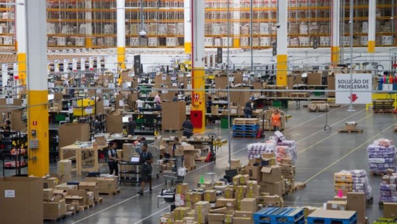 Centro de Distribuição da Amazon em Cajamar: de lá para 90 cidades, o frete é grátis para assinantes Prime