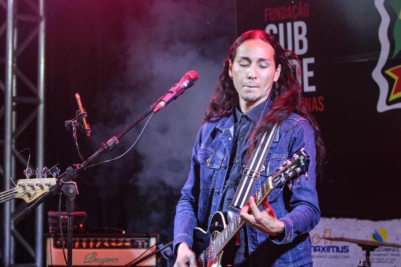Diego Rodrigues,  vocalista da banda Talherys