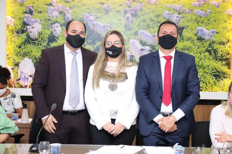 Assumiu como procuradora titular a vereadora Tatiane Helena Soares Coelho, única mulher com cadeira na Casa, e os vereadores Neldson Elias de Sousa e Alessandro Marques como procuradores adjuntos
