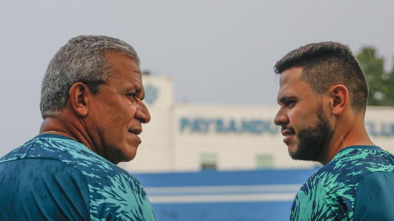 o técnico Hélio dos Anjos passou longe de esboçar o possível time titular para o jogo de volta valendo tão sonhado retorno do time à Série B
