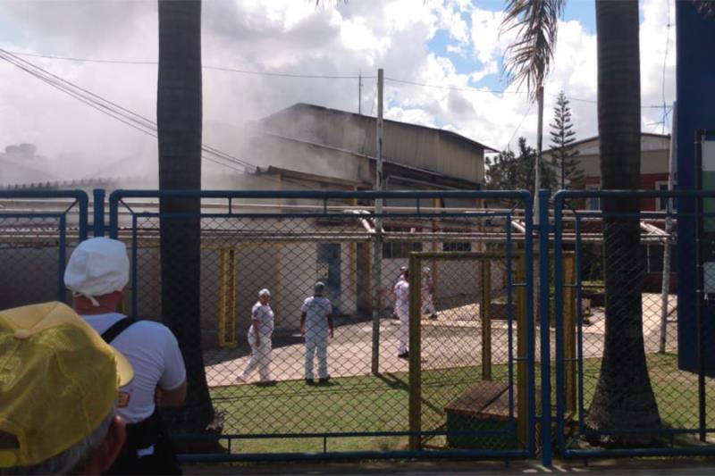 O protocolo da empresa prevê nestes casos a evacuação da fábrica