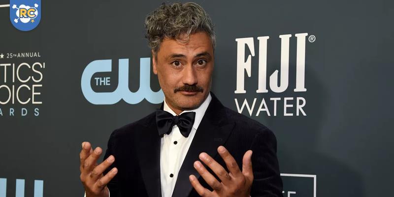 """O diretor de """"Thor: Ragnarok"""" e """"Jojo Rabbit"""", está em negociações para desenvolver um novo filme de """"Star Wars""""."""