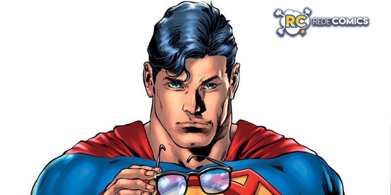 Super-Homem revela sua identidade secreta para o mundo.