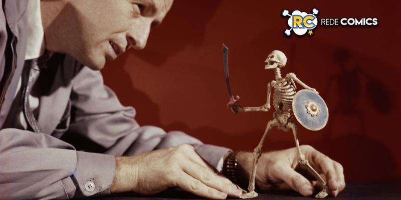 Ray Harryhausen (1920-2013) animando o modelo de esqueleto (Simbad e a Princesa, 1958) © The Ray and Diana Harryhausen Foundation (Charity No. SC001419)