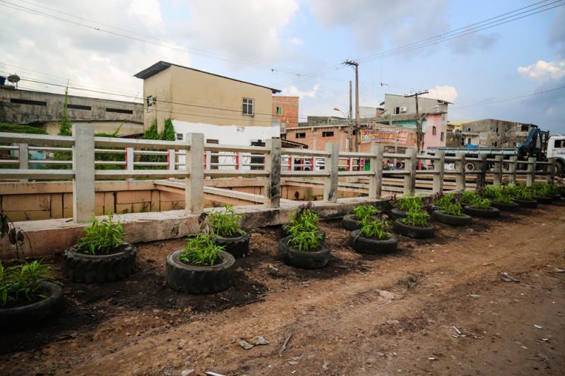 O trabalho, realizado pelas Secretarias Municipais de Saneamento (Sesan) e de Meio Ambiente (Semma), tem por objetivo reduzir ou eliminar o descarte de lixo e entulho em espaços públicos.