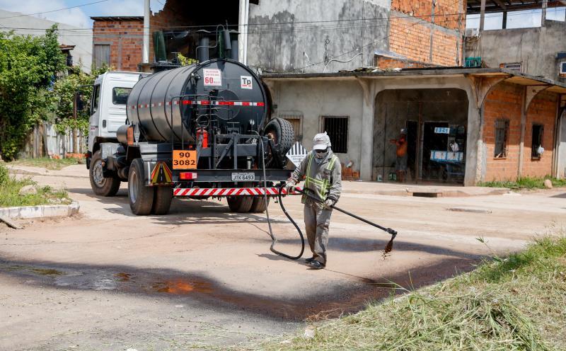 A Roso Danin recebeu drenagem profunda e começamos a pavimentação asfáltica.