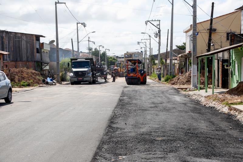 Há 15 dias, o programa Asfalto na Cidade, da Prefeitura de Belém, coordenado pela Sesan, começou o serviço de asfaltamento no local.
