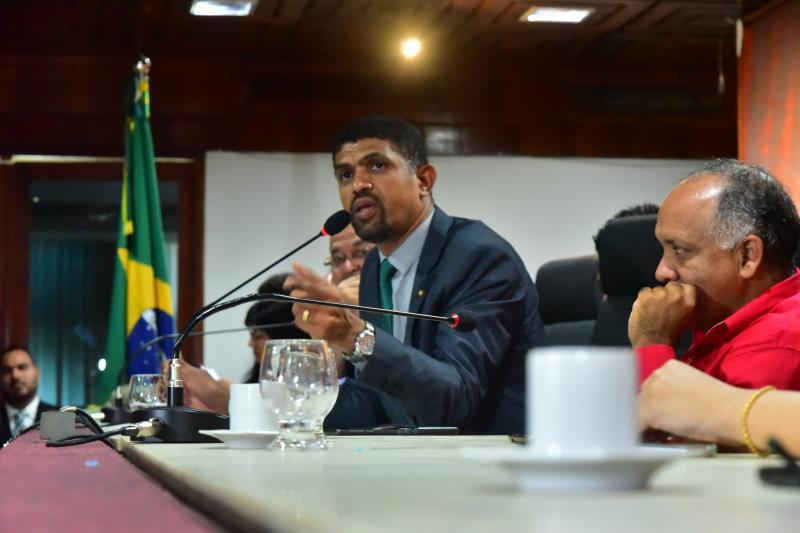 O deputado estadual Dr. Jaques presidiu a audiência pública