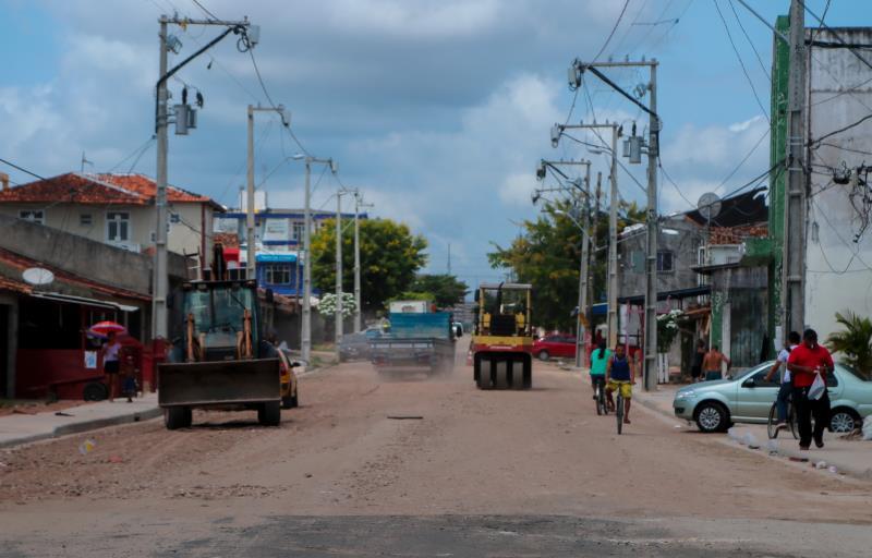 A Prefeitura de Belém, por meio Sesan, continua ampliando as frentes de trabalho para obras de drenagem, pavimentação e terraplenagem, em toda Belém.