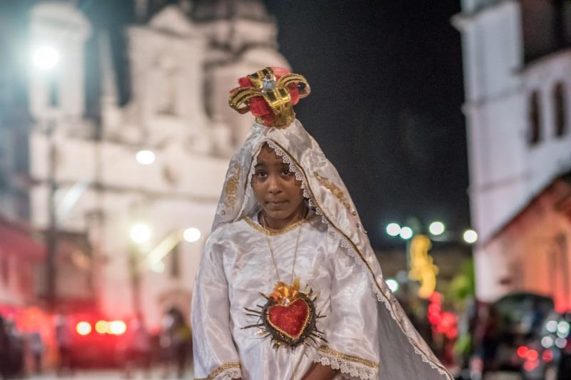 Ana Clara vestida como Nossa Senhora de Fátima