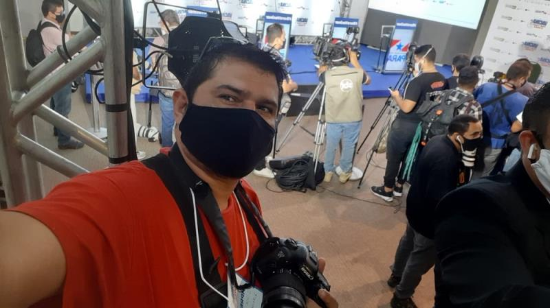 Igor Mota, da Redação Integrada O Liberal, momentos antes da coletiva de imprensa no Hangar