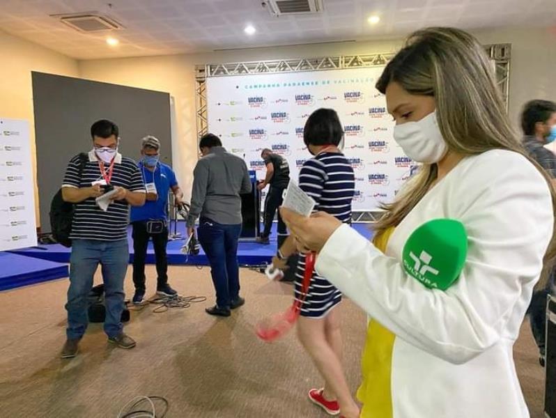Andreia Teixeira Cardoso se preparando para a passagem de vídeo