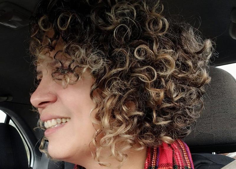 """Cássia Mesquita é a responsável pelo quadro de jornalistas do programa do Plácido Ramos, """"Bom dia Marajó"""", da rádio Web Marajó, diretamente de Israel"""